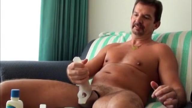 My cock on steroids! Nudist artist video