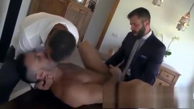 Sexo no Escritorio a 3 Mega pussy mature movi
