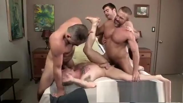 Os Ursos - Colton Grey, Derek Bolt, Dirk Caber & Marc Giacomo Real british ex girlfriend naked