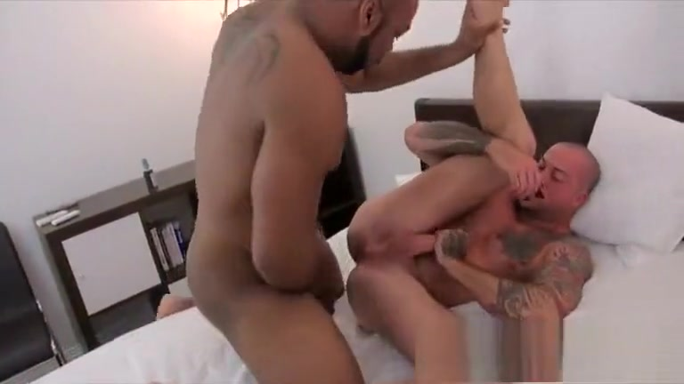 BarebackThatHole - Ray Diesel & Sean Duran Sexy senior dating