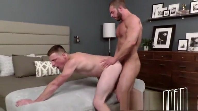 Arnie e Curtis Bi Sexual Strap