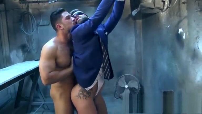 Dato Foland e Hector De Silva really sexy milf gets fucked