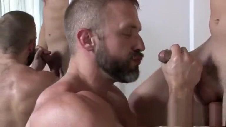 Troca-troca maduro e novinho (Dirk Caber e Nicoli Cole) pissing naked bengali lady photo