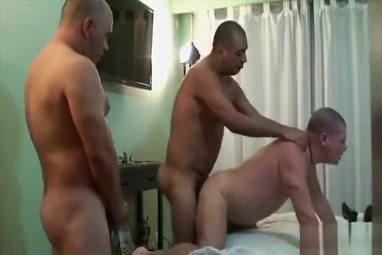 Federico Cordoba un buen trio Bareback Why cant i orgasm