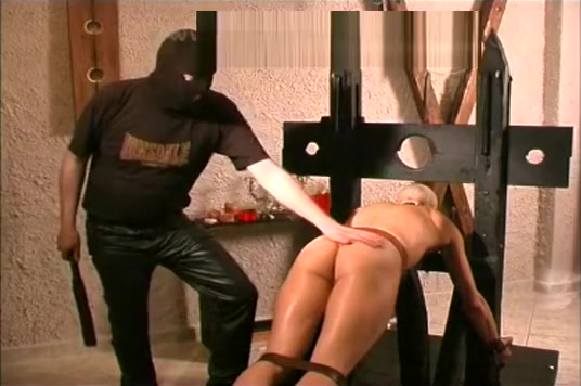 D4B - Marian 3 - upside down Naked girl masturbation gifs