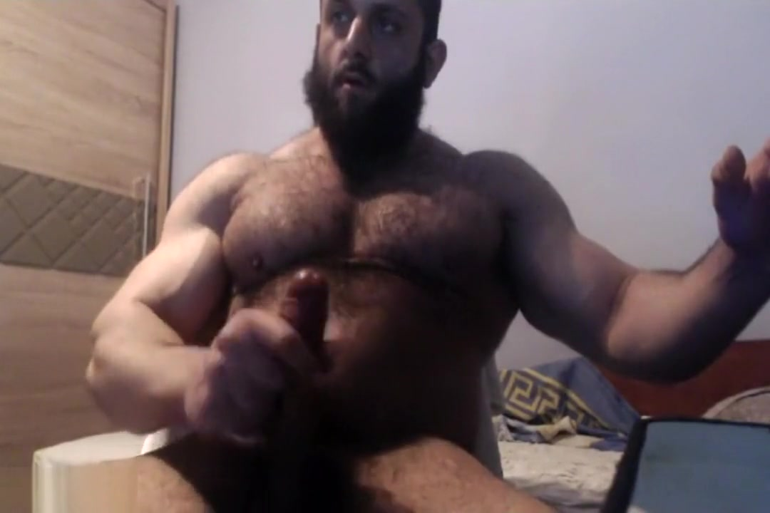 muscle bear jerks off on cam sexy legs in shorts