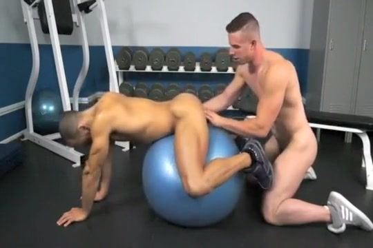 Two hot Muscled hunks see more in each other than the gym Becky sunshine the bare tits project