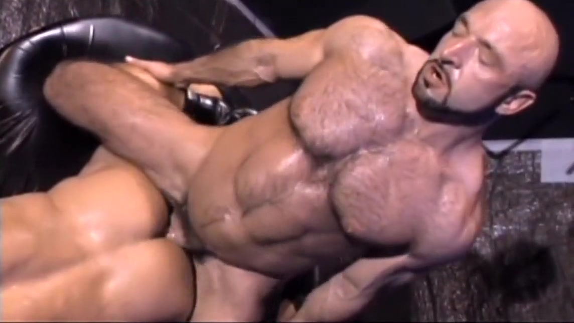 1-15 6 Bodybuilder Bear and Daddys Tryst military men at play