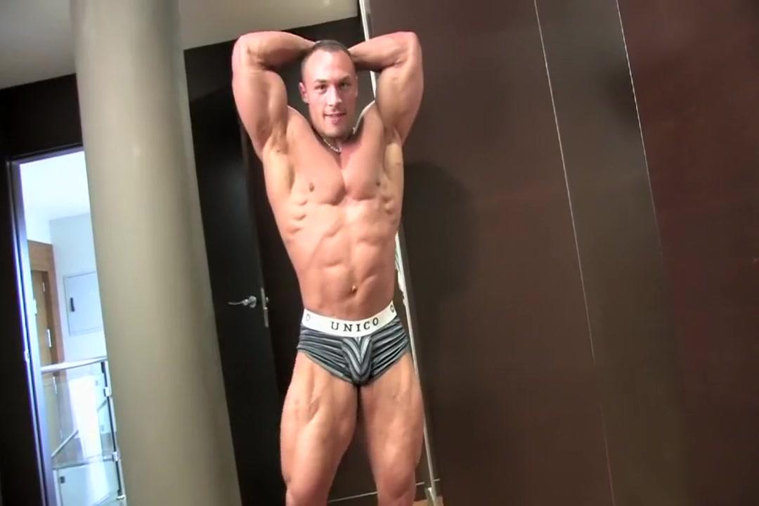 Ludovic B Posing straight man fucks tranny