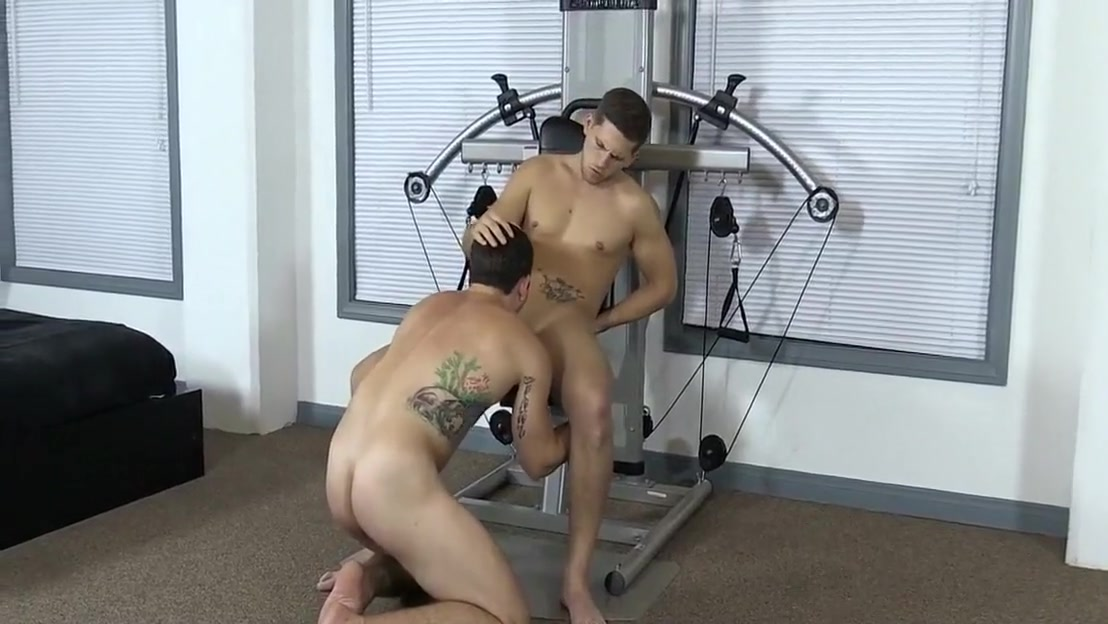 12-22 10 Bareback on the Exercise Machine round and brown lesbian