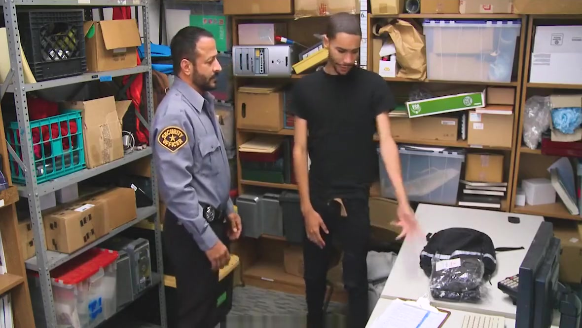 GayShoplifter - Dominant security guard banged a straight thief Sexual education leads to hardcore sex
