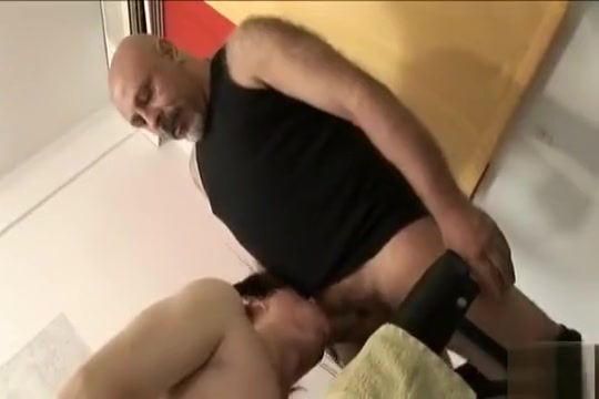 Older vs Younger Older Lesbians Tube