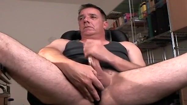 daddy jerks off with vibrator in ass Mig login