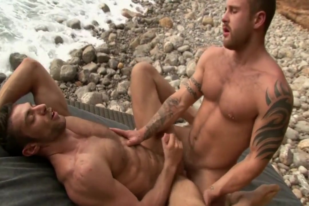 11-14 6  Hairy Muscle Hunks Fuck on the Seaside Www Brazers Sex