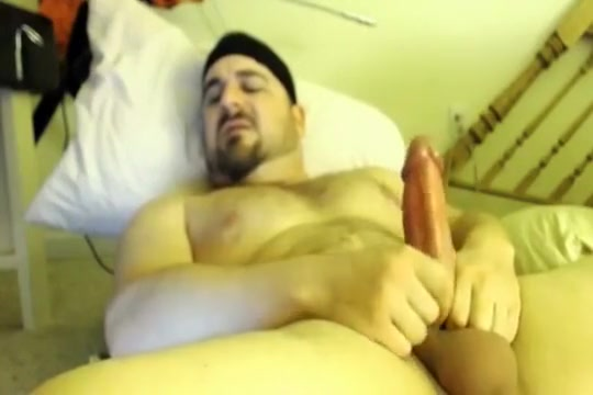 Big dick beefy stud plays with his ass free porn vids for phones
