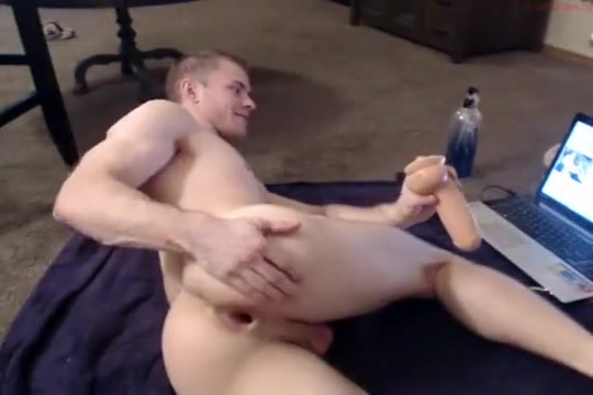 JJ uses a dildo on cam Amateur anal pictures