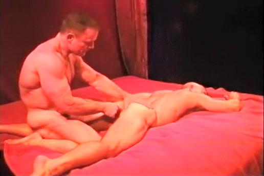 Bodybuilder and his boyfriend anal sex for swinger grannie gilf