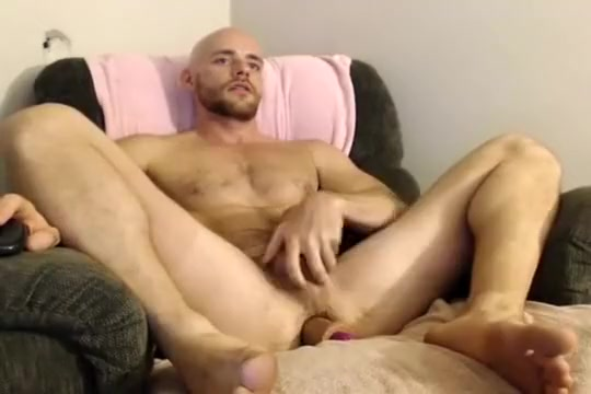 ILUX takes a dildo on cam Ferret distended anus