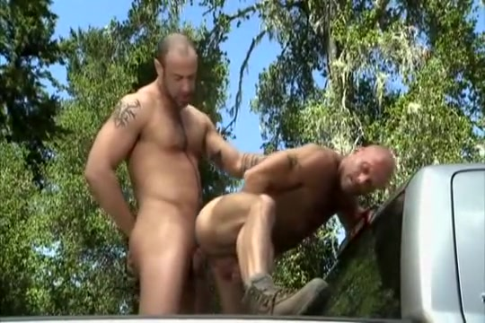 Hunters Fuck: CJ Madison, Coby Mitchell Big hairy naked bellied men