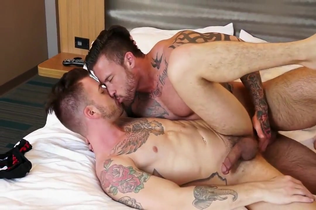 Jl and Bb girl fucked with clothes on