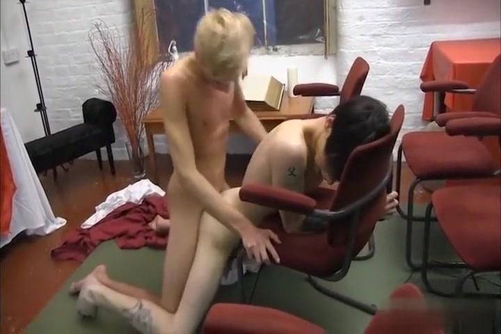 Missionaries plays it very hot Two buddies seduce chubby mature bitch