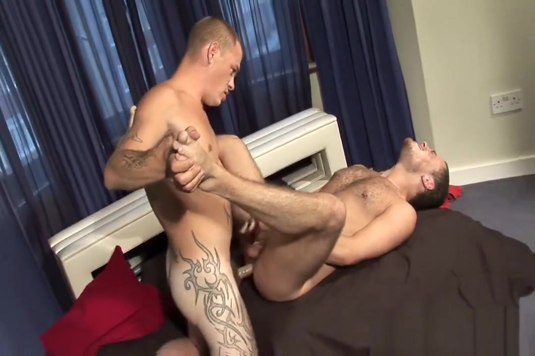 Max English & Sam Bishop Sexy naked girl tieds up