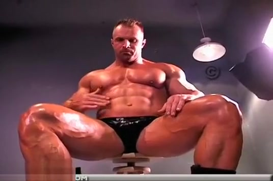 Dom Aussie Muscle Worship Female domination sex male slave