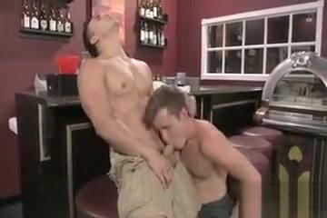 TOPHER DIMAGGIO FUCKS JOEY COOPER lacey duvalle porn eskimo