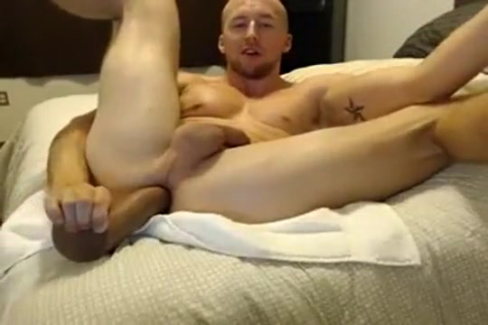 Hot Jock plays with his hole causes of vaginal aching when aroused
