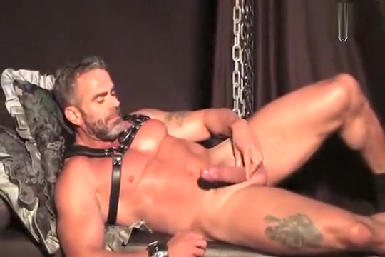 Daddy Marco shows off Good hookup sites australia