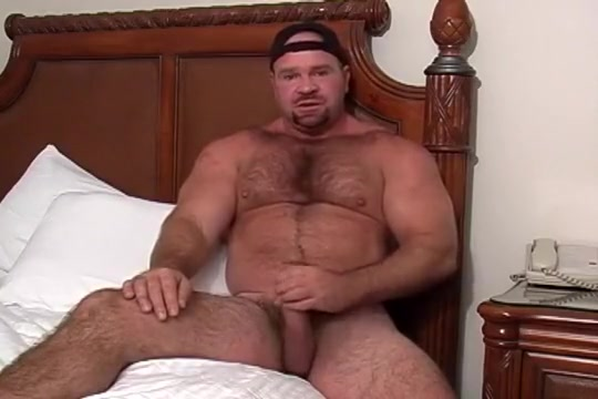 Luke the muscle bear Milf Ariella Rocks Bbc