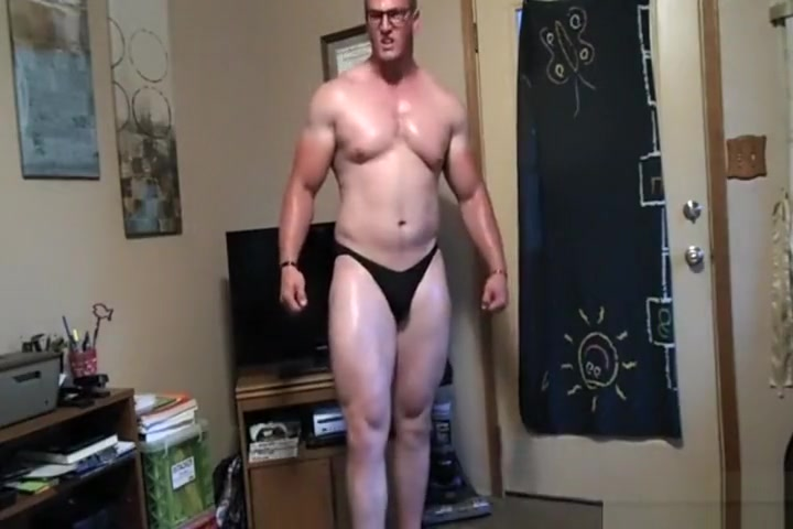 Beefy stud with farmers tan Free quicktime porn movies