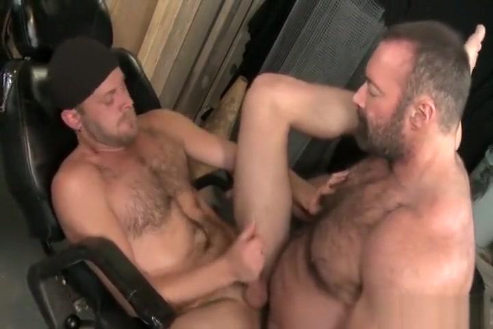 Bear Hug Free daily sex pics