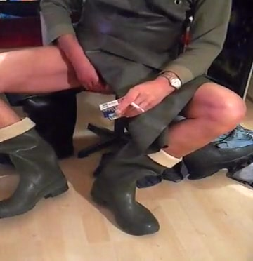 nlboots - rubber boots & rubber apron Masterbate with me