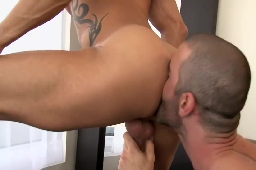 Alexy Tyler Fucks Tattooed Muscle-Man Junior Stellano Abbey hands naked ass and pussy