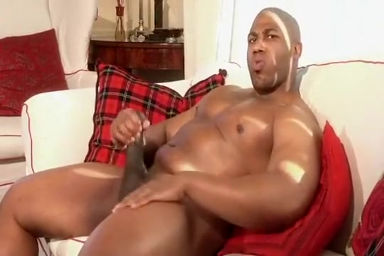 Musclehung Holly Heart and Aubrey Gold hot 3some