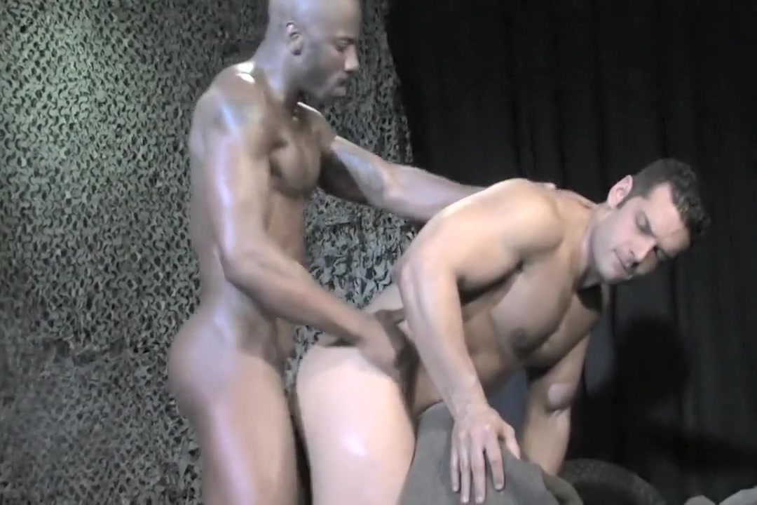Markus Ruhl & Race Cooper (military) naked girl on role modles