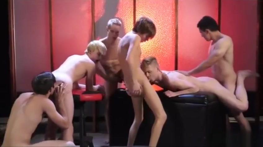 Brunette twinks anal sex and cumshot vera farmiga hot pictures