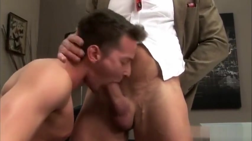 Big dick gay threesome and facial Workman accidentily sees wife naked