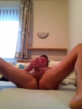 Sklave wixt vor der Cam Naked girl boob