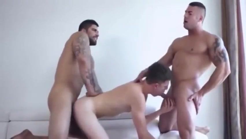 Hot sexy guys in a threesome Porn clubs in uk