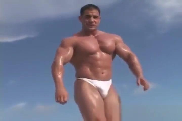 Mike Dragna muscle beach. I need a rich boyfriend