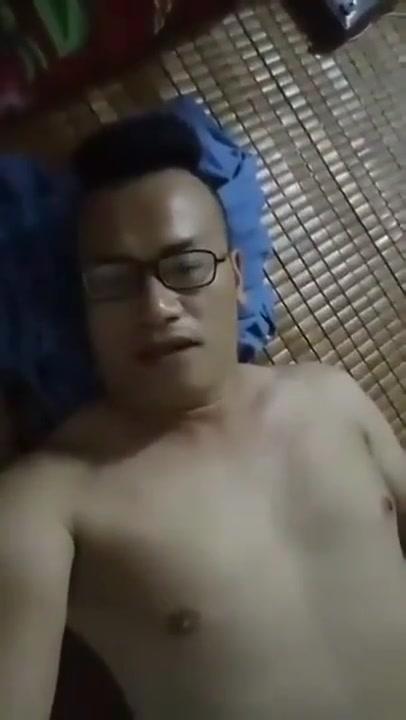 TRAI HA NOI TIM TRAI DI SAUNA Bondage fuck sex slut