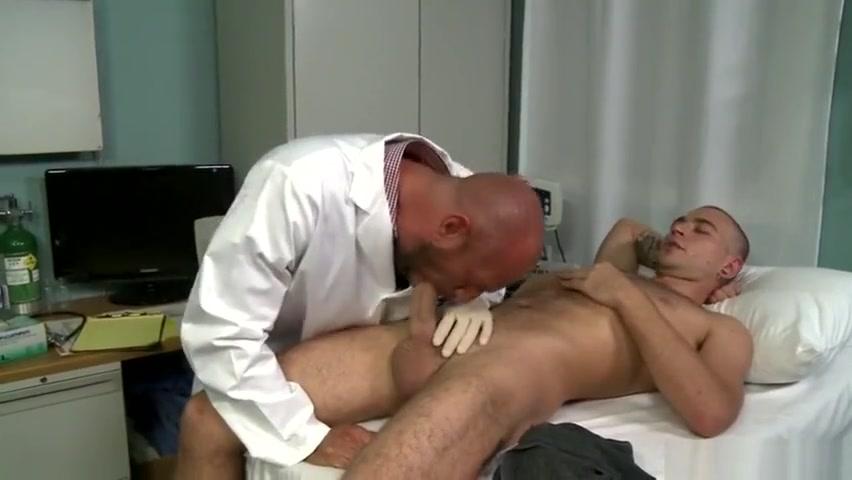 horny doc 2 Latex Suit2