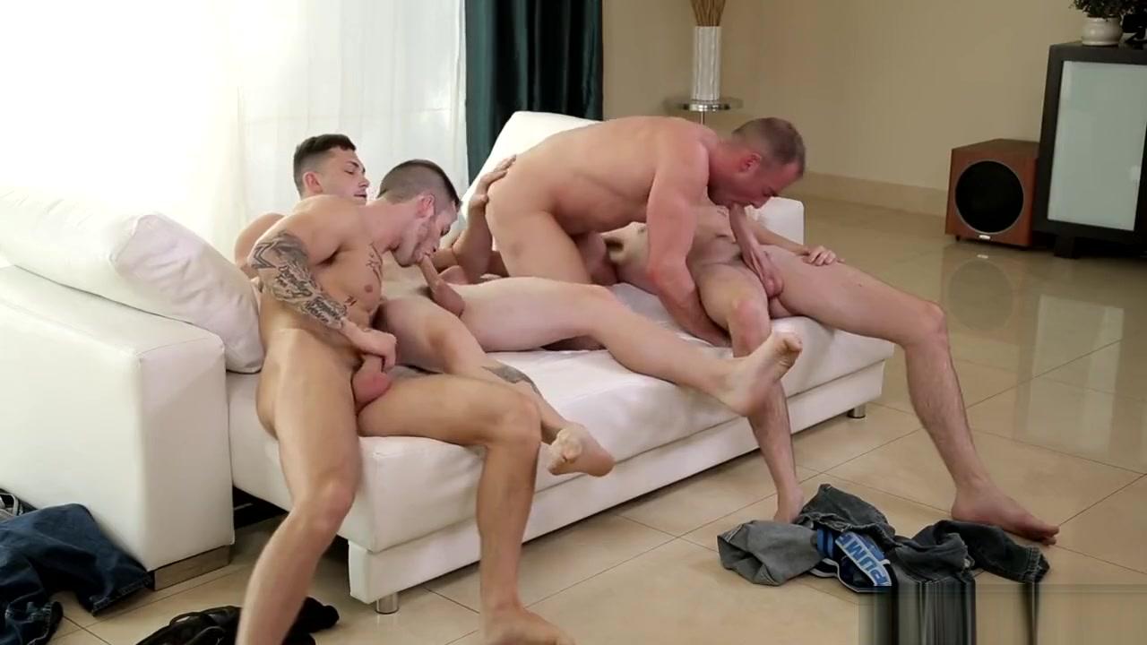 Jack Hunter, Quentin Gainz, Johnny Riley & Jacob Durham anna hathaway loves anal sex