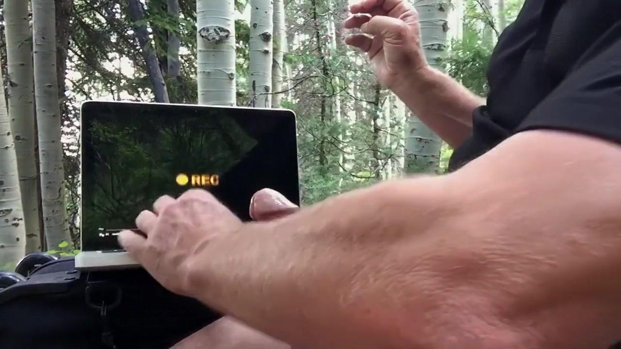 Masturbation Tribute to prettyevil�s Ass in a Pretty Aspen Grove Hot chick nude in the shower