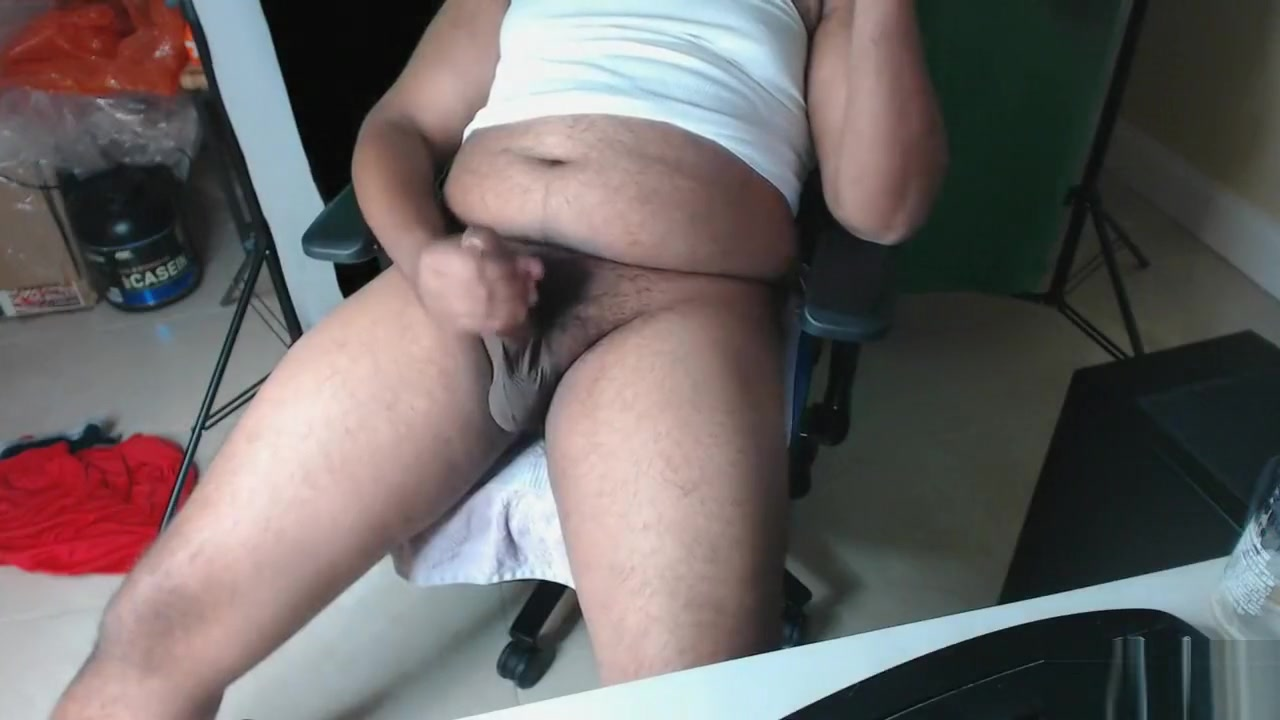 Naughty stepdad caught jerking off on Chaturbate what a big dick cumshot!!! fat men free porn