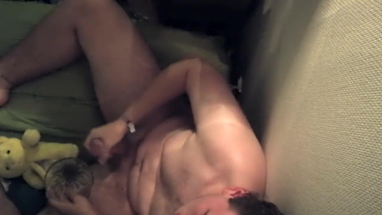 Guy basturbates Riley shy deepthroat tube free