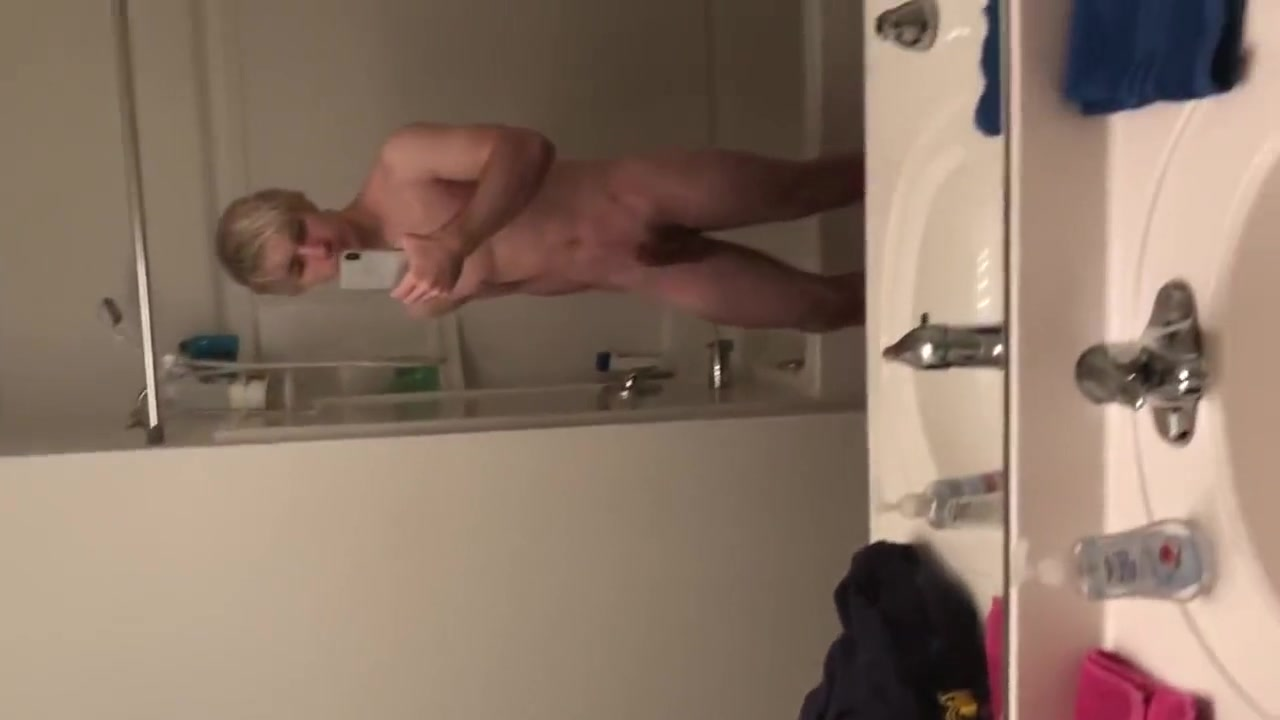 Pulling my sexy upwards cock out!!! gana drunk nude pic