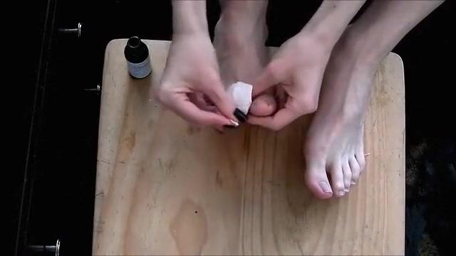 Foot fuck- painting toenails and getting cum on feet! Chaturbate com mature